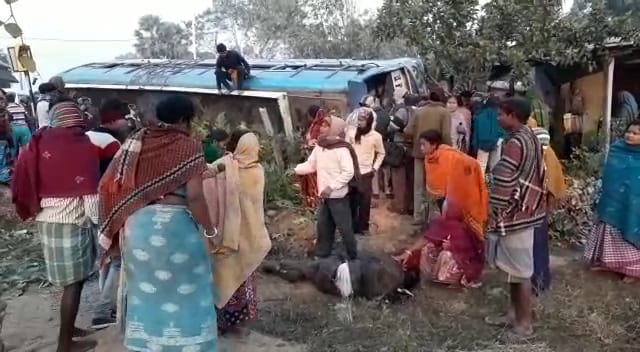 two lakh rupees compensation for chandrakona bus accident