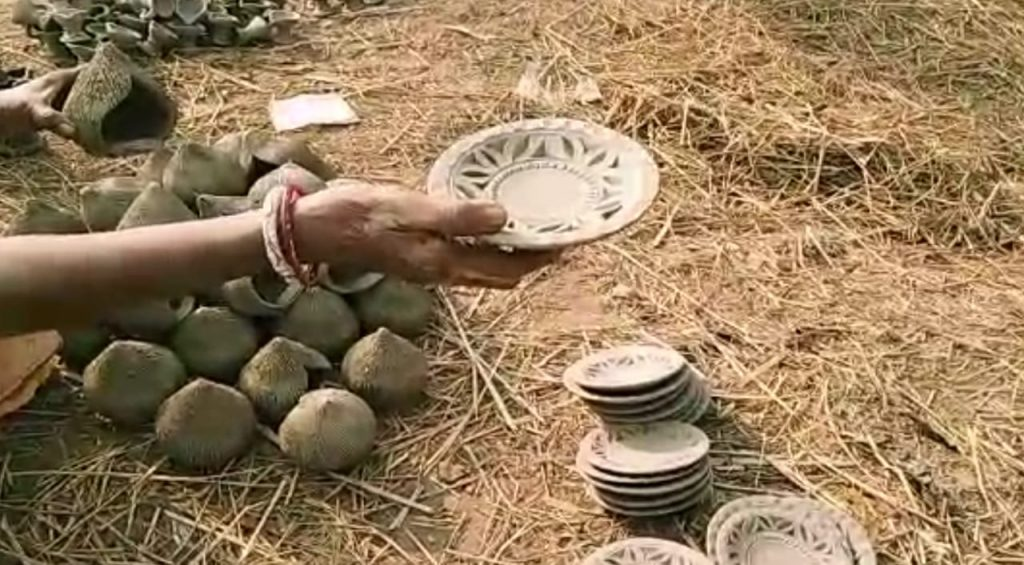 Hatparha's potteries expend the country's population