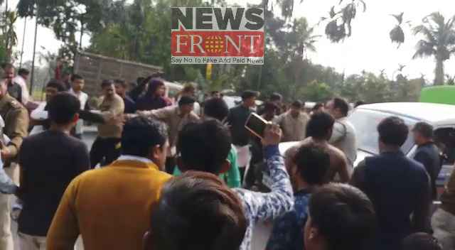 Road blockade for the death of cycle rider 4