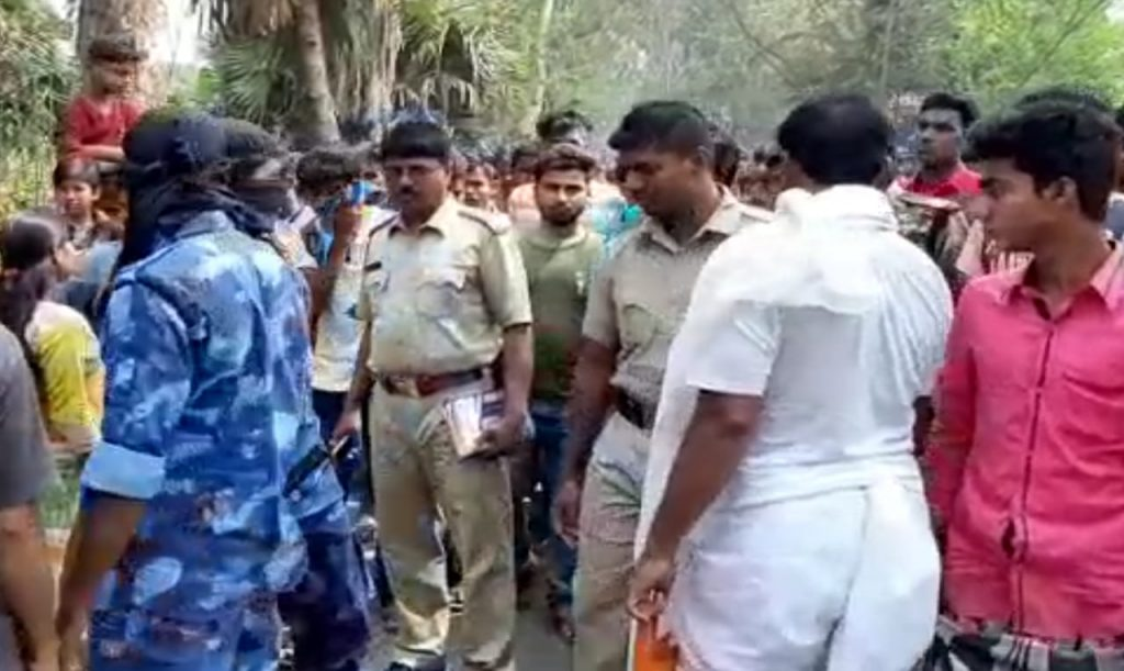 The school student dead for car accident