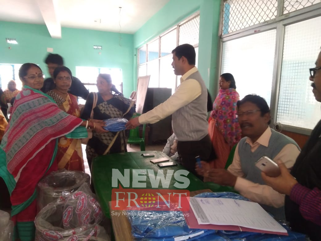 distribution of clothes to the health workers