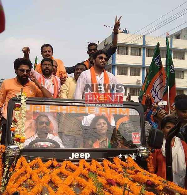 Road show of babul with controversial song