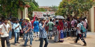 Demonstration of students in biswa bharati