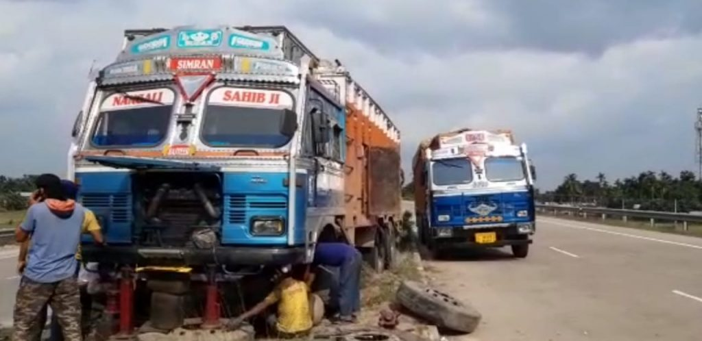 the lorry safe for road accident