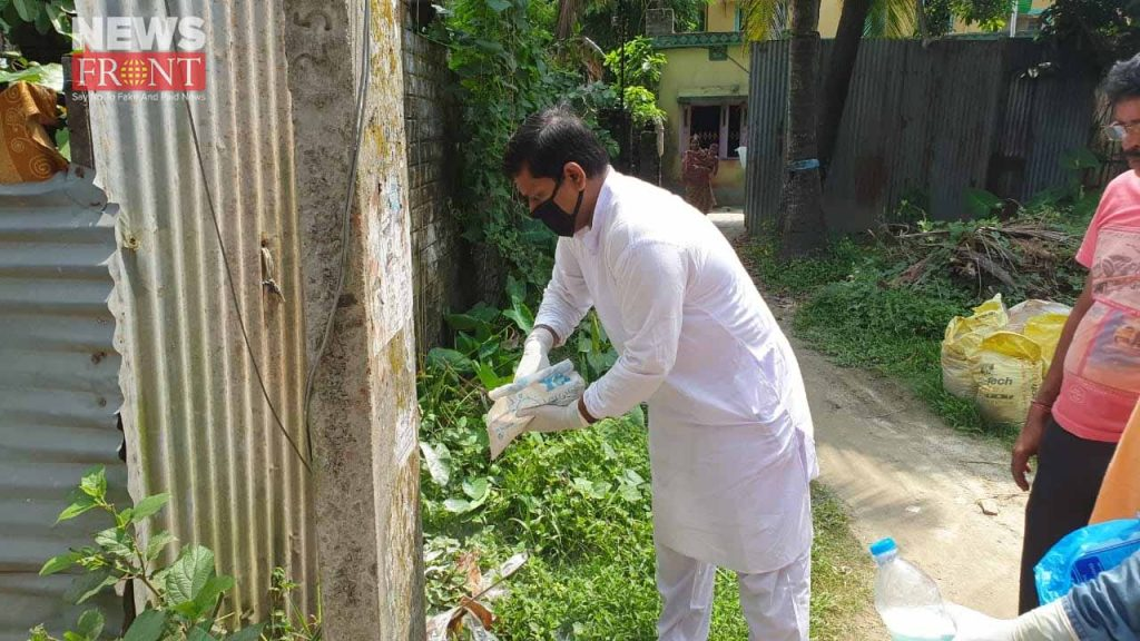 cleaning in dengue awareness campaign   newsfront.co