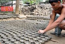 Pottery busy to make soil item | newsfront.co