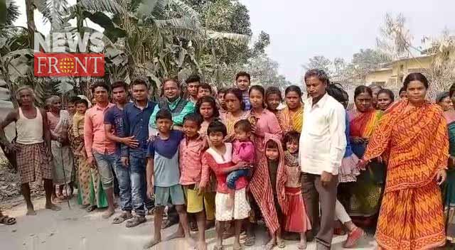 villagers protest to damage road in mathabhanga | newsfront.co