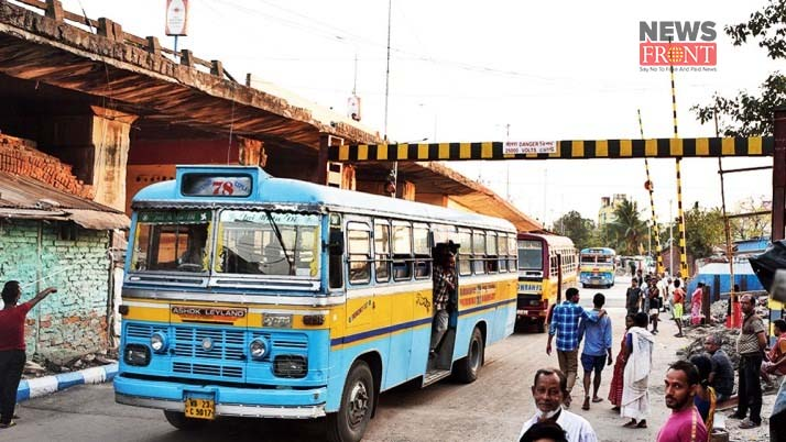 kolkata police start level crossing road | newsfront.co