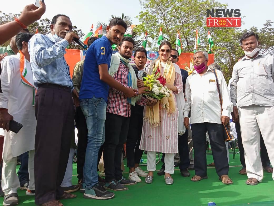 Actress Nusrat Jahan | newsfront.co