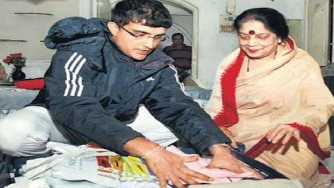 Sourav Ganguly's mother tested covid positive