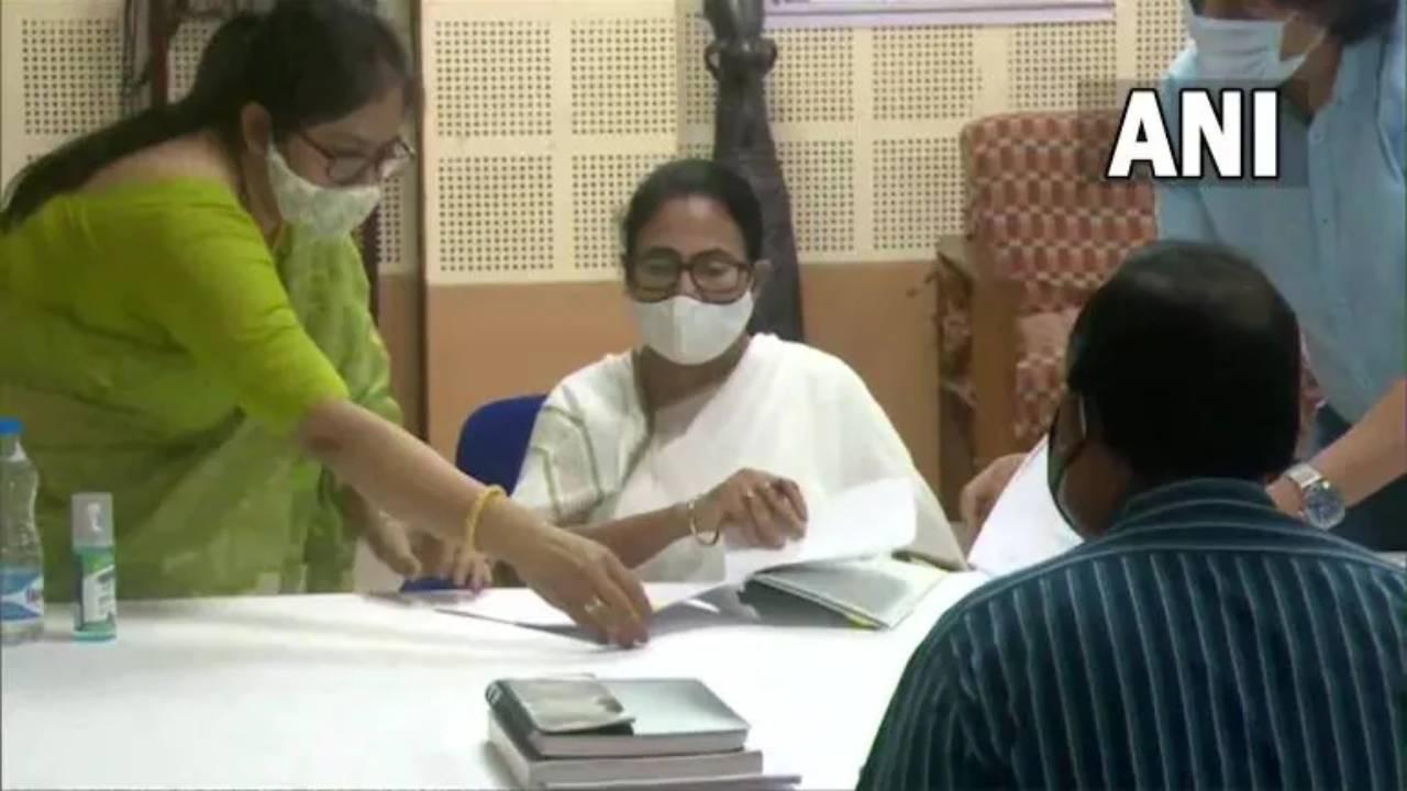 Mamata Banerjee files nomination for Bhabanipur by polls