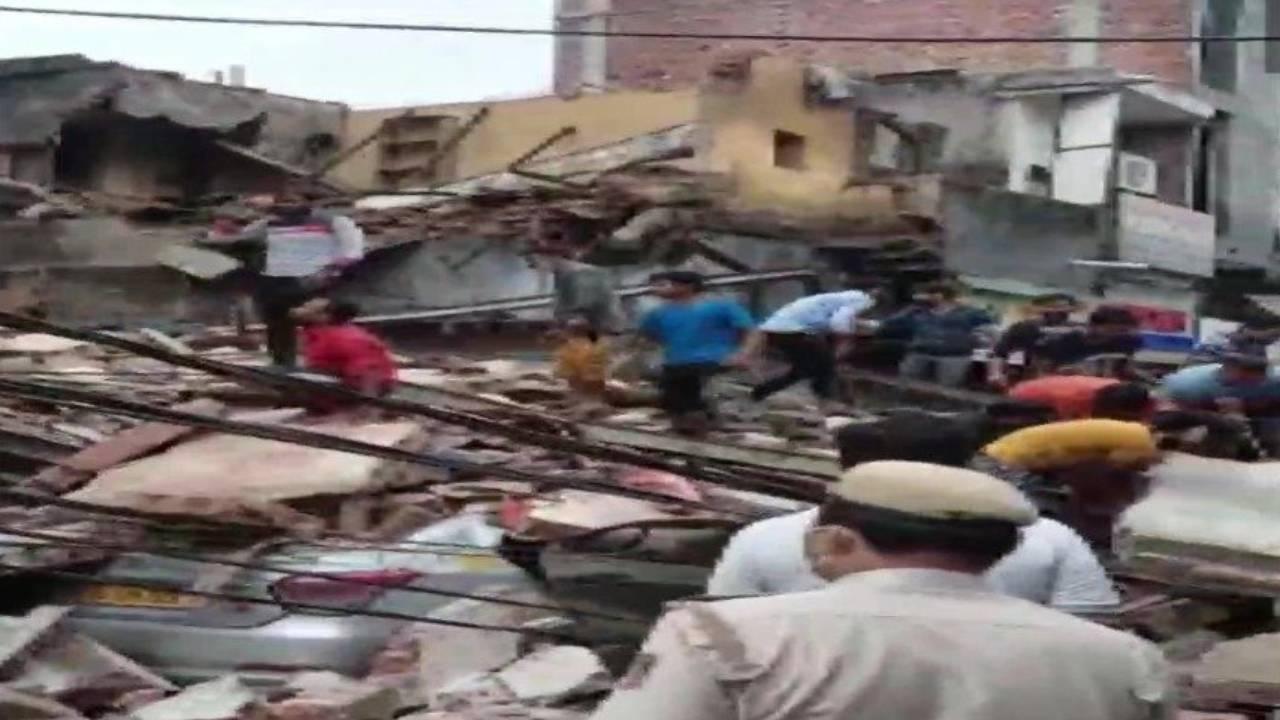 Sabjimandi building collapsed